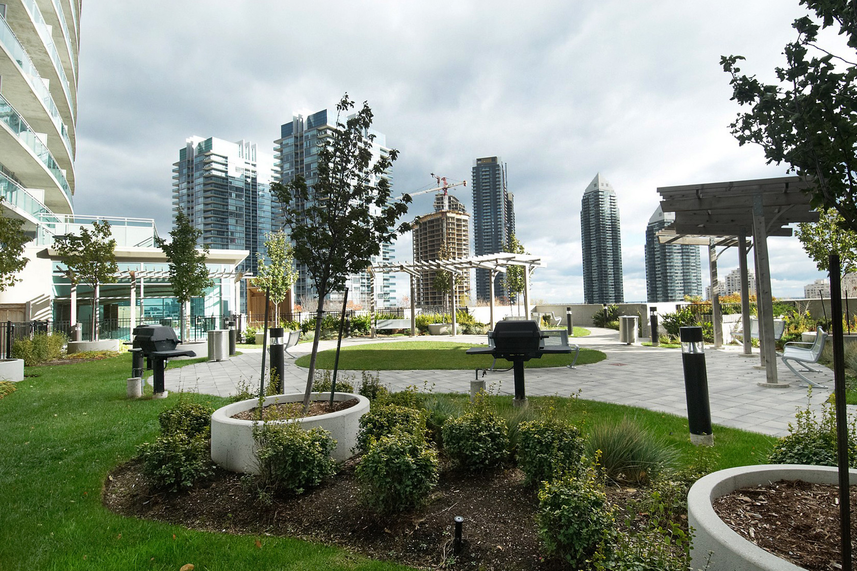 iloft iLoft at Mystic Pointe | Monthly Featured Condo | June 2017 155 legion rd n toronto etobicoke iloft ilofts condo park lawn condos humber bay condos outdoor terrace rooftop terrace