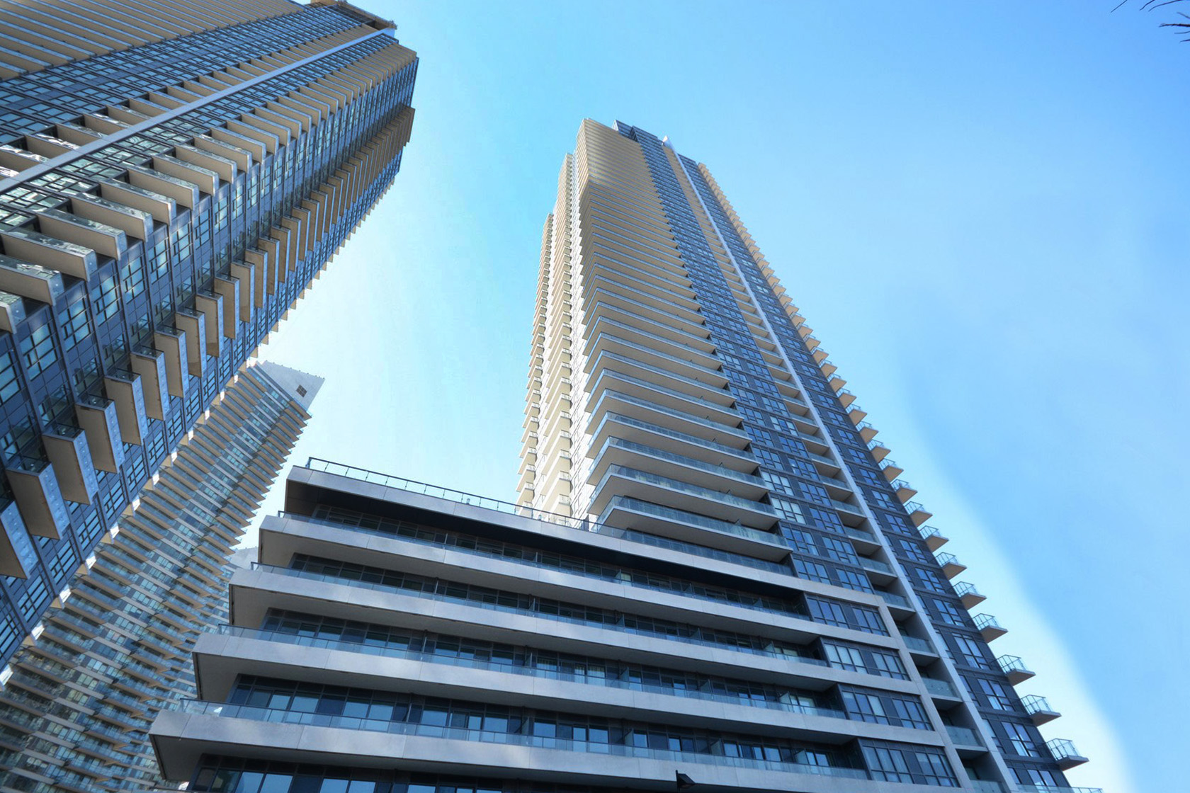 penthouses Top 4 Penthouses Under $1.1M in Mimico | June 2017 2220 lakeshore blvd w 2200 lakeshore blvd w 2212 lakeshore blvd w westlake condos etobicoke lakeshore parklawn penthouses